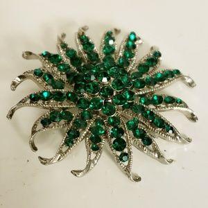 Vintage Green Austrian Crystal Brooch/Pendant